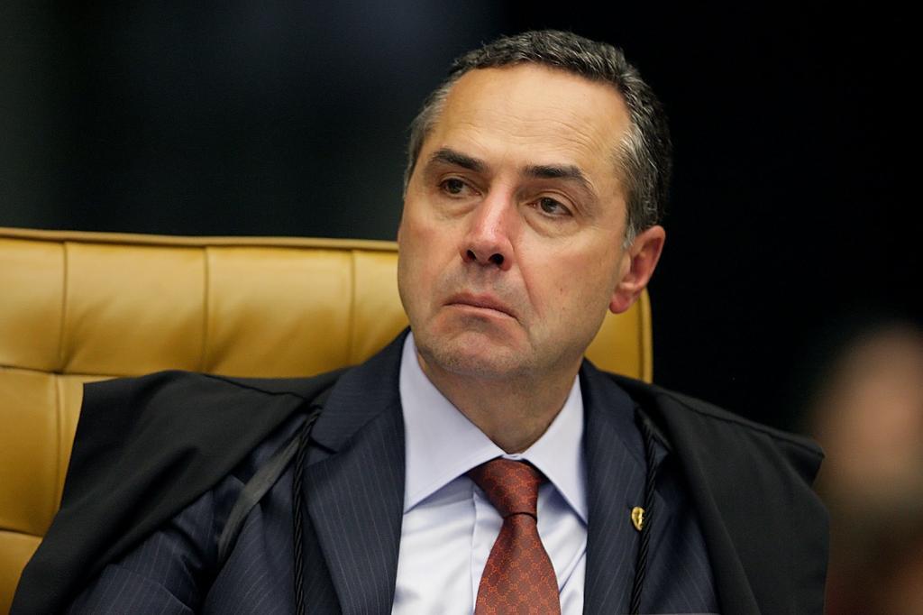 Barroso reitera decisão que obriga governo a conter avanço de Covid-19  entre indígenas