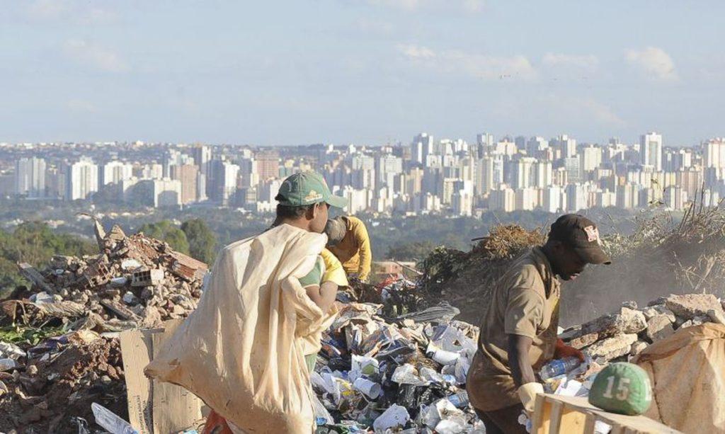 Pesquisa da Fundação Getúlio Vargas (FGV) mostra que o número de brasileiros na extrema pobreza chegou a 27 milhões em 2021