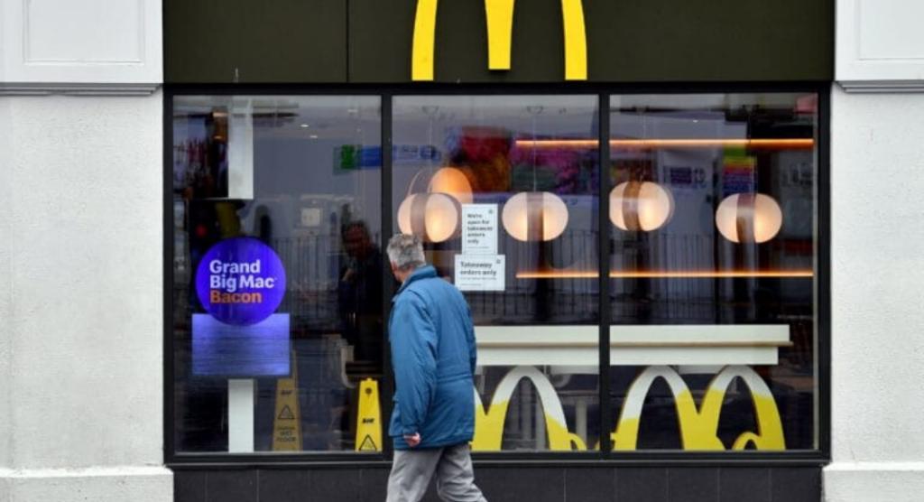 Três centrais sindicais pediram, nesta segunda-feira (20), que o Ministério Publico do Trabalho (MPT) investigue denúncias de racismo institucional em lojas do McDonalds no Brasil