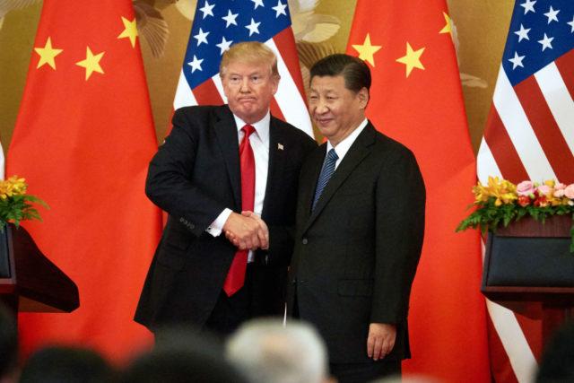 Os presidentes dos Estados Unidos, Donald Trump, e da China, Xi Jinping