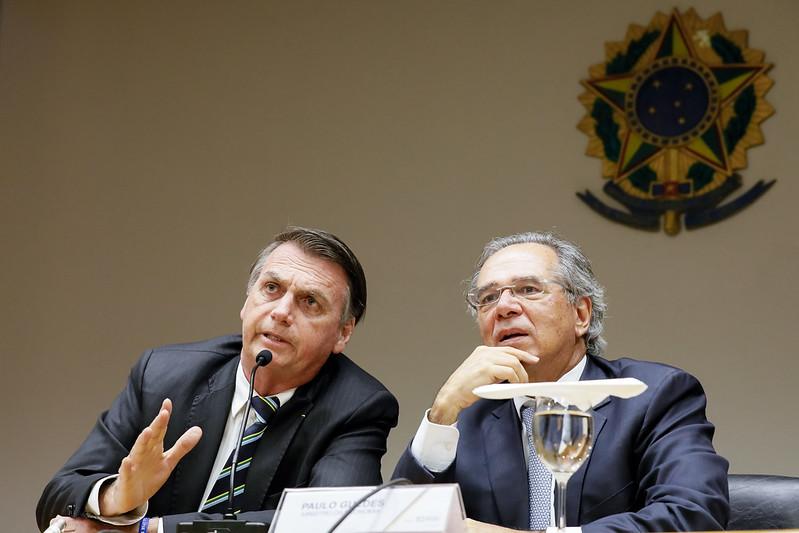 Orçamento - Bolsonaro e Guedes