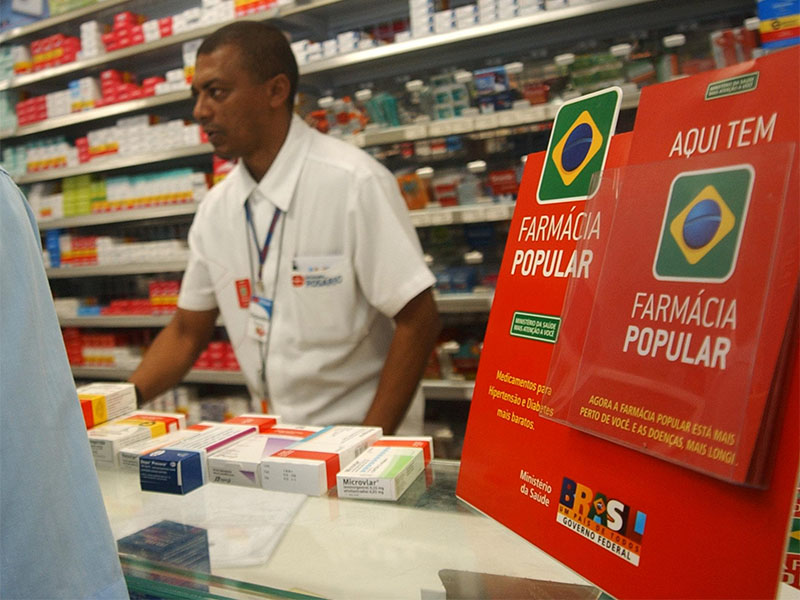 Alvo do governo Bolsonaro, Farmácia Popular atende mais de 20 milhões por ano