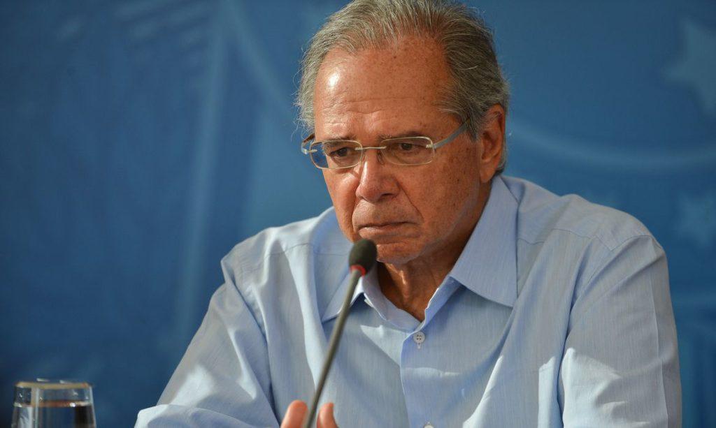 O ministro da Economia, Paulo Guedes, trouxe de volta o plano de fazer um corte nas contribuições do Sistema S e do Simples Nacional.