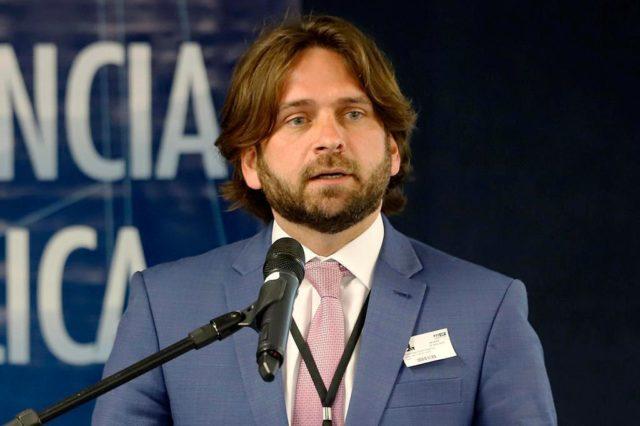 José Vicente Santini - demitido