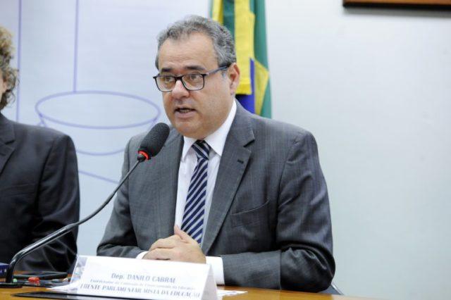 Danilo Cabral - assistência social