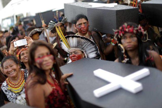 indígenas violência