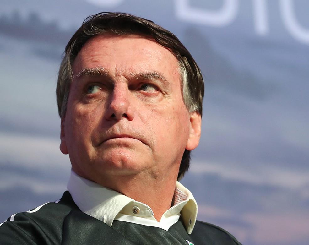 """O líder da Oposição, Alessandro Molon (PSB) alertou que a atitude de Bolsonaro """"prejudica o enfrentamento a crises como a que atravessamos"""""""
