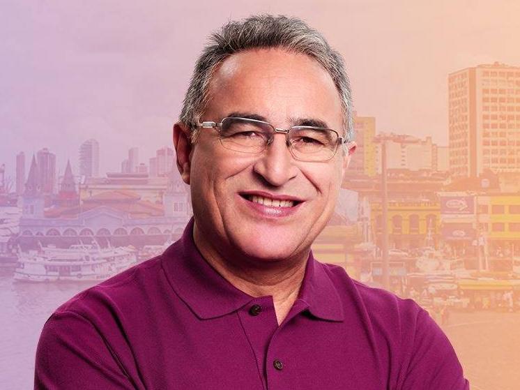 Edmilson Rodrigues (PSOL) foi eleito, no último domingo (29), prefeito da cidade Belém e foi ovacionado na sede do comitê de campanha