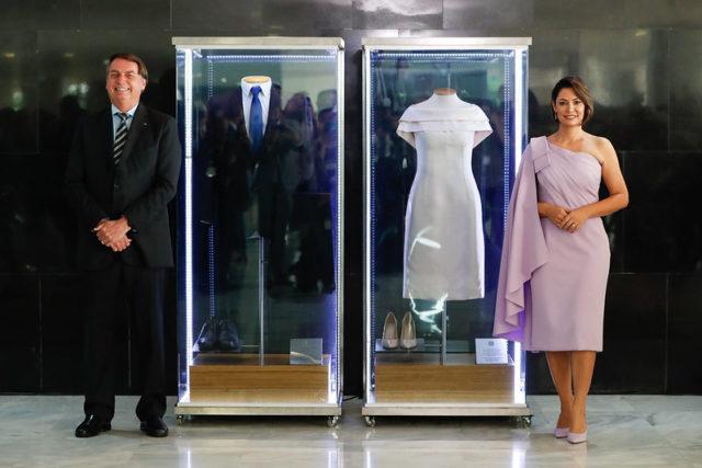 Bolsonaro e Michelle Bolsonaro trajes