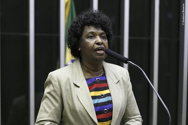 Deputada federal Benedita da Silva (PT-RJ) quer sustar portaria que permitiu retirada de nomes da lista de personalidades negras da Fundação Palmares - Foto: Divulgação