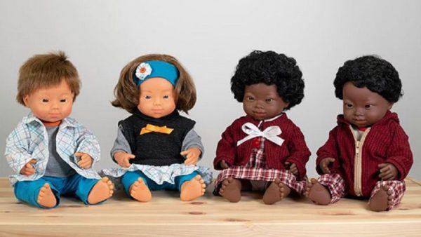"""Coleção de bonecos com síndrome de Down """"Melhor brinquedo escolhido pelo júri do ano 2020"""" na Espanha - Foto: Divulgação Miniland"""