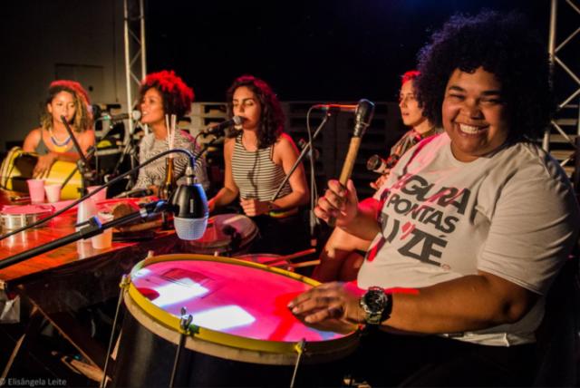 Mulheres, como o Grupo Samba que Elas Querem, têm papel importante na popularização do samba - Foto: Elisângela Leite