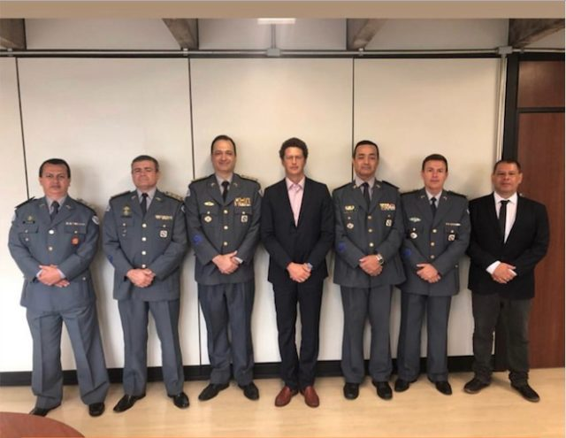 Ricardo Salles e militares