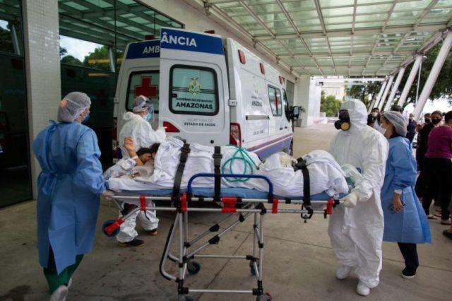 Na quinta-feira Manaus registrou mortes por asfixia. Médicos e familiares denunciaram a falta de de oxigênio - Foto: Reprodução/ crédito: AFP / Michael DANTAS