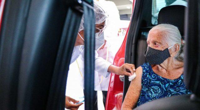 vacinação idosos Uber