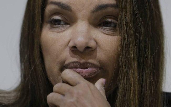A deputada Flordelis só será afastada se não puder contar com o apoio de metade dos colegas do Congresso Nacional