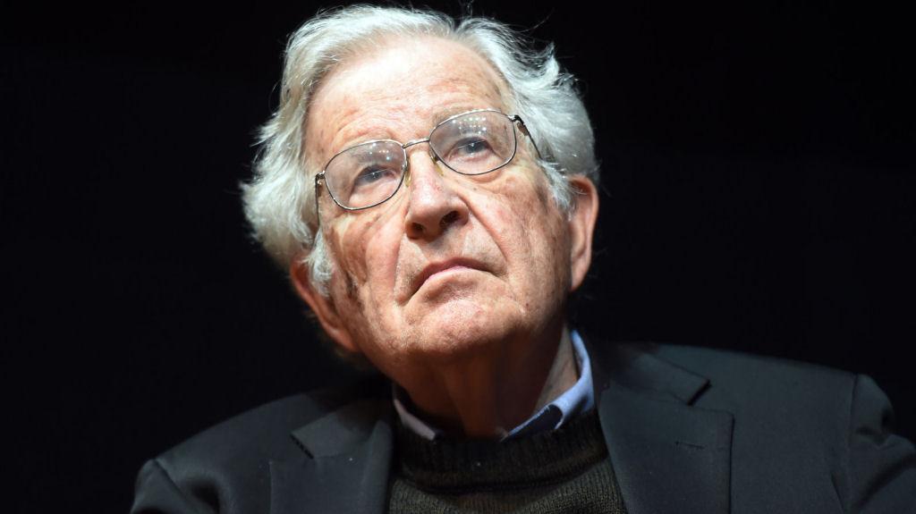 No último dia 25 de janeiro, Noam Chomsky participou do Fórum Social Mundial em atividade organizada por Carta Maior e Fórum 21