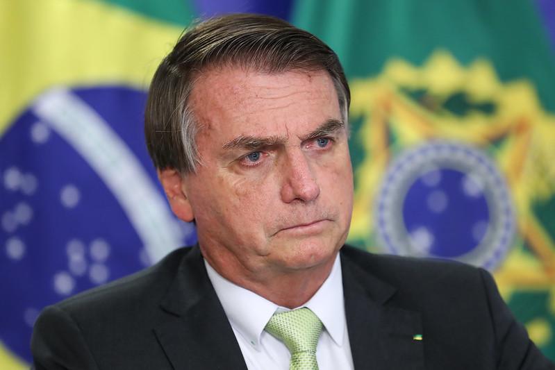 Bolsonaro tem insistido na ideia de que pode haver saques e revoltas causadas pela falta de emprego e renda da população